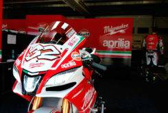 Milwaukee Aprilia WSBK 2017 02