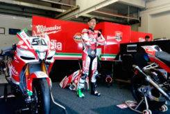 Milwaukee Aprilia WSBK 2017 03