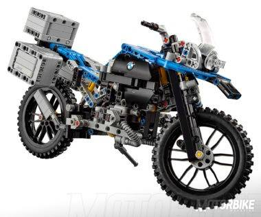 Lego-Technic-BMW-R-1200-GS-01