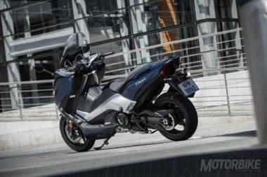 Yamaha-TMAX-DX-2017-047