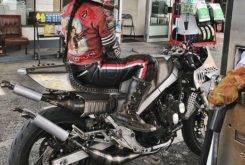Yamaha RD500 RZV500R Red Hot 12