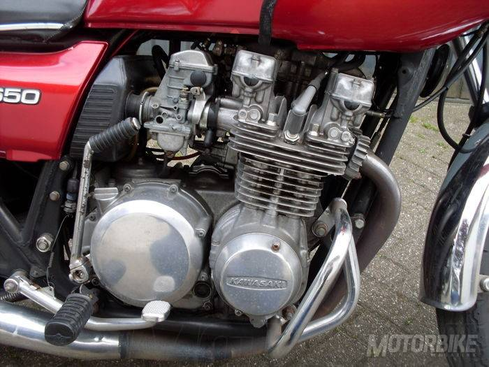 Kawasaki Z650 B1 1977 - Motorbike Magazine