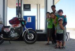 no le digas a la mama mongolia en moto 02