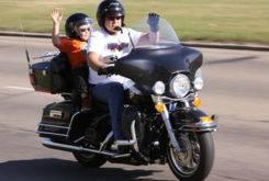 MBKpasajeros niñosmo en moto 37