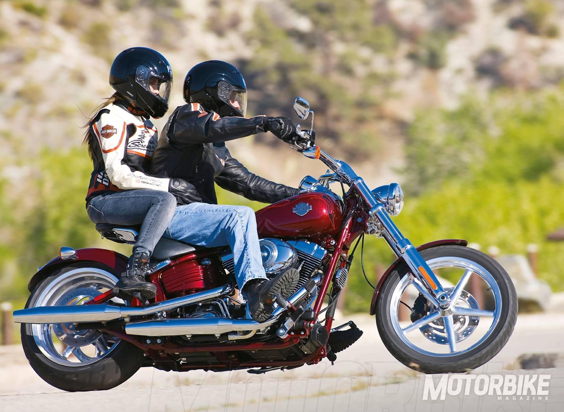 MBK - pasajeros-niñosmo-en-moto-43