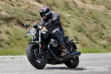 Triumph Bonneville Bobber vs Moto Guzzi V9 Bobber_09