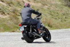 Triumph Bonneville Bobber vs Moto Guzzi V9 Bobber 13