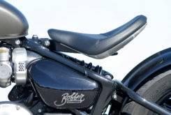 Triumph Bonneville Bobber vs Moto Guzzi V9 Bobber 20