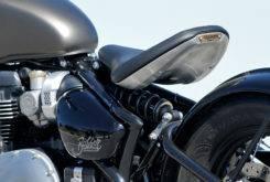 Triumph Bonneville Bobber vs Moto Guzzi V9 Bobber 21