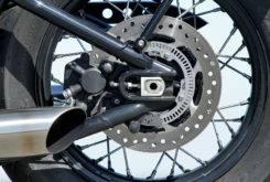 Triumph Bonneville Bobber vs Moto Guzzi V9 Bobber 22