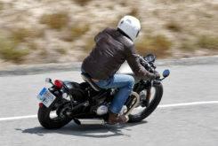 Triumph Bonneville Bobber vs Moto Guzzi V9 Bobber 29