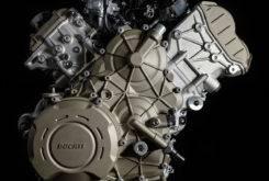 Ducati Desmosedici Stradale 2018 motor 02