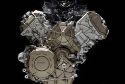 Ducati Desmosedici Stradale 2018 motor 26