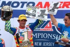 Toni Elias Campeon MotoAmerica 2017 celebracion
