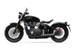 Triumph Bonneville Bobber Black 2018 05