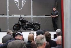 Triumph Bonneville Bobber Black 2018 14