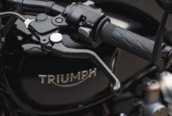 Triumph Bonneville Bobber Black 2018 26