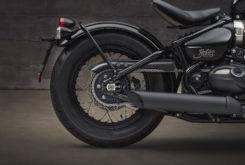 Triumph Bonneville Bobber Black 2018 38