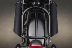 Triumph Bonneville Bobber Black 2018 42