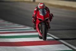 Ducati Panigale V4 S 2018 02