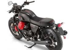 Moto Guzzi V7 III Carbon 2018 01