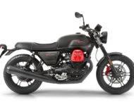 Moto Guzzi V7 III Carbon 2018 03