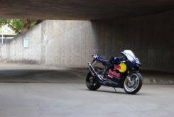 Suzuki RGV250 VJ22 Red Bull 05