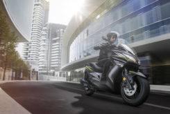 Kawasaki J300 2018 15