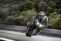 Kawasaki ZZR1400 2018 02