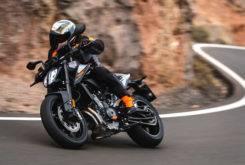 Fotos accion KTM 790 Duke 2018 22