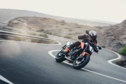 Fotos accion KTM 790 Duke 2018 9