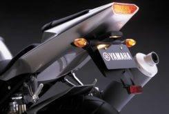 Yamaha YZF R1 2002 02
