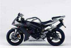 Yamaha YZF R1 2003 08