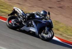 Yamaha YZF R1 2005 01