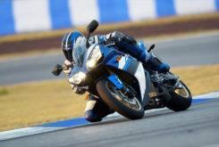 Yamaha YZF R1 2008 02