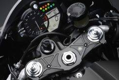 Yamaha YZF R1 2009 04