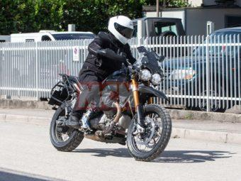Moto Guzzi V85 bikeleaks espia 04