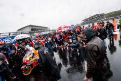 Carrera MotoGP Silverstone atrasada lluvia