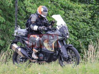 KTM 1090 Adventure BikeLeaks 01