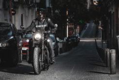 Prueba Triumph Bobber Black 12