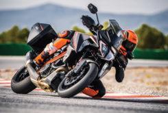 KTM 1290 Super Duke GT 2019 01