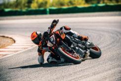 KTM 1290 Super Duke R 2019 04