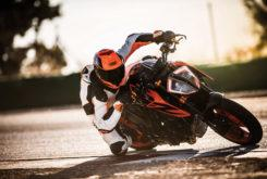 KTM 1290 Super Duke R 2019 08