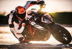 KTM 1290 Super Duke R 2019 11