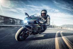 Kawasaki Ninja H2 Carbon 2019 07