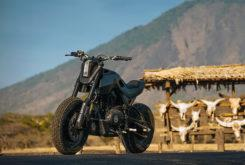 Royal Enfield Himalayan Smoked Garage 3