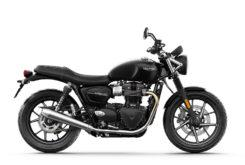 Triumph Street Twin 2019 studio Jet Black right