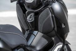 Yamaha XMax 300 Iron Max 2019 11