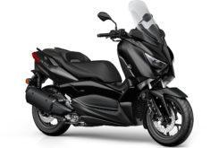 Yamaha XMax 300 Iron Max Estudio 1