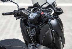 Yamaha XMax 400 Iron Max 2019 11
